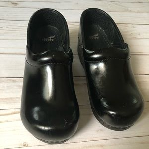 Dansko Black Patent Leather Clogs Size 33